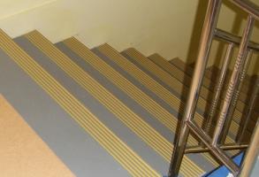 楼梯万博manbetx网站胶